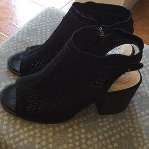 Vince Camuto laser cut open heel/toe booties size8